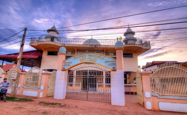 Masjid Al-Nikmah mosque in Siem Reap, Cambodia - photo by Adib Wahab