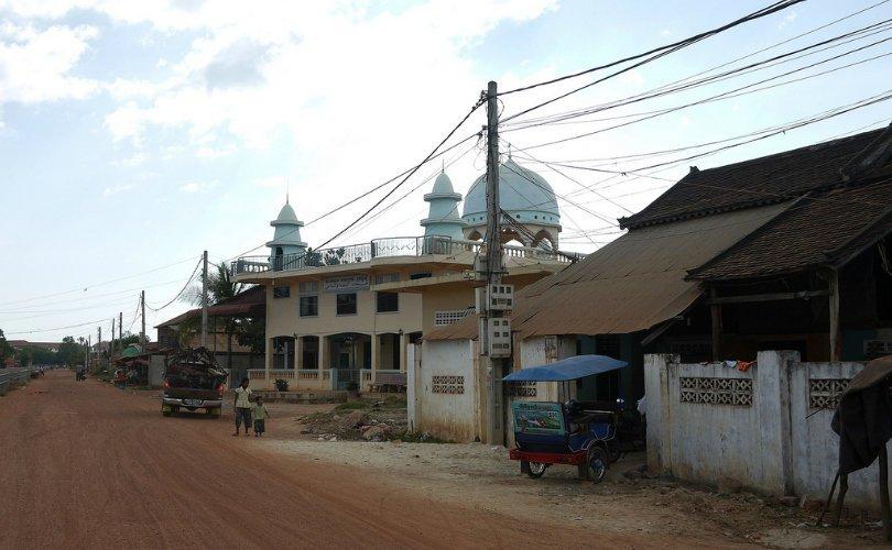 Masjid Al-Nikmah mosque in Siem Reap, Cambodia - photo by e_chaya