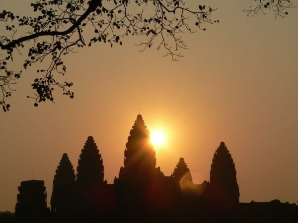 Angkor Wat sunrise in Siem Reap, Cambodia - photo by dia_n