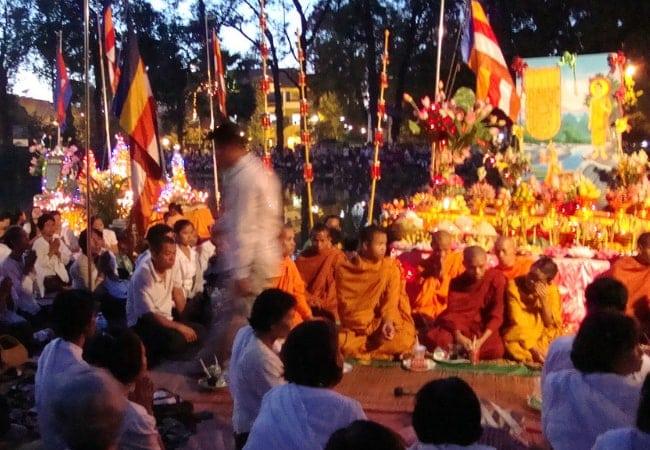 The Cambodian Water Festival (Bon Om Touk) - photo by VasenkaPhotography